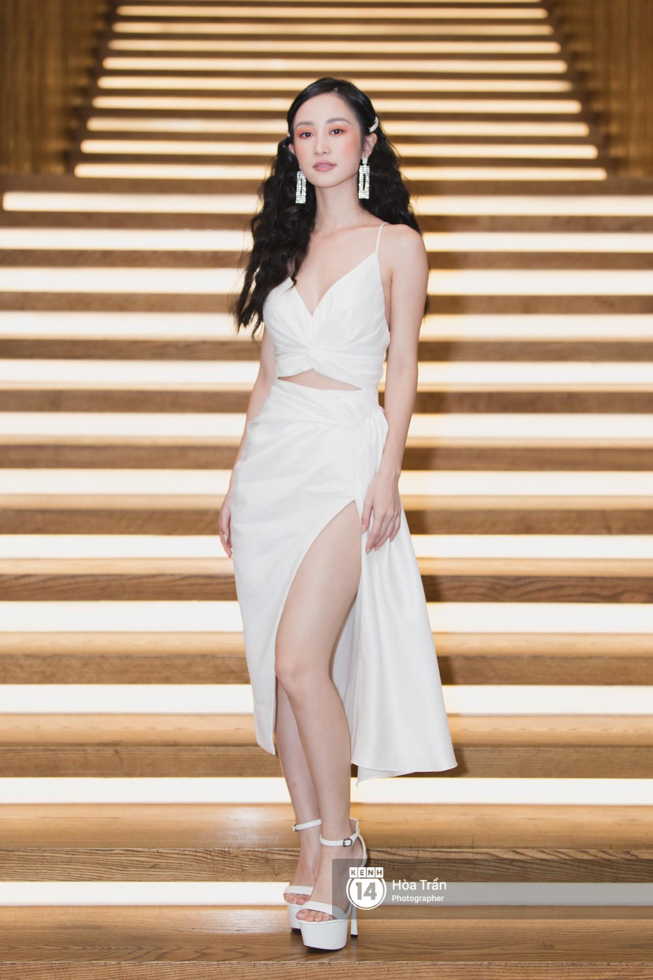Giữa một dàn mỹ nhân giật giũ như Hari và Jun Vũ, Hoa hậu Đặng Thu Thảo giản dị mà vẫn trội bật - Ảnh 9.