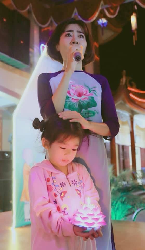 """Cuộc sống sao Việt khi chống chọi với bạo bệnh: Người """"lột xác"""" hình ảnh để lấy lại tinh thần, người vẫn miệt mài hoạt động nghệ thuật mỗi ngày - Ảnh 4."""