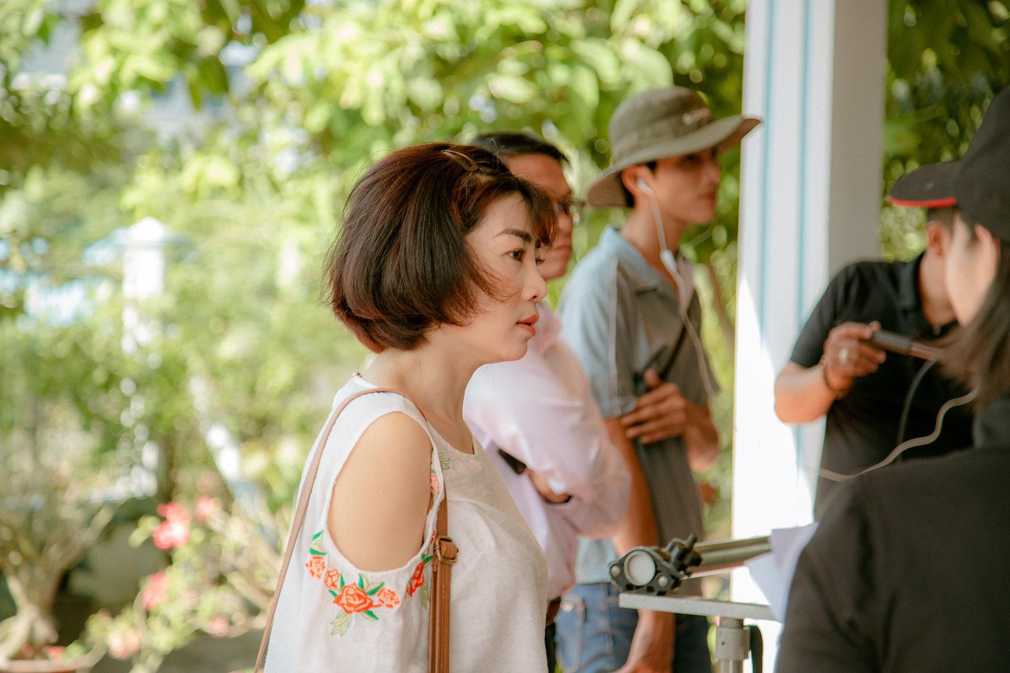 """Cuộc sống sao Việt khi chống chọi với bạo bệnh: Người """"lột xác"""" hình ảnh để lấy lại tinh thần, người vẫn miệt mài hoạt động nghệ thuật mỗi ngày - Ảnh 5."""