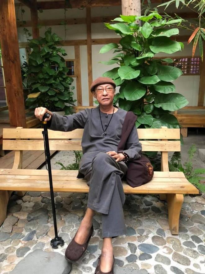 """Cuộc sống sao Việt khi chống chọi với bạo bệnh: Người """"lột xác"""" hình ảnh để lấy lại tinh thần, người vẫn miệt mài hoạt động nghệ thuật mỗi ngày - Ảnh 7."""