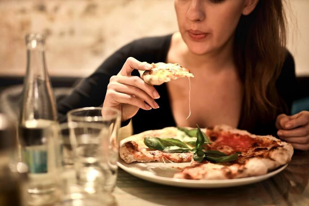 Hiệp hội Ung thư Hoa Kỳ cảnh báo: Nữ giới có nguy cơ mắc bệnh ung thư dạ dày cao nếu gặp phải những triệu chứng sau - Ảnh 4.