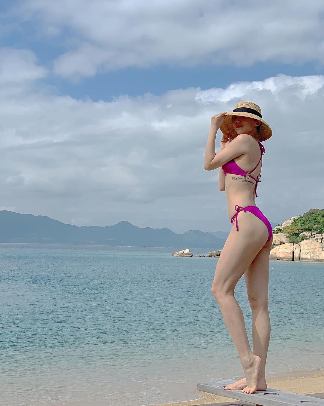 Sở hữu body đỉnh như Tóc Tiên thì ai cũng muốn đi biển 1 ngày, mặc đủ loại bikini chụp hình đăng cả tháng - Ảnh 6.