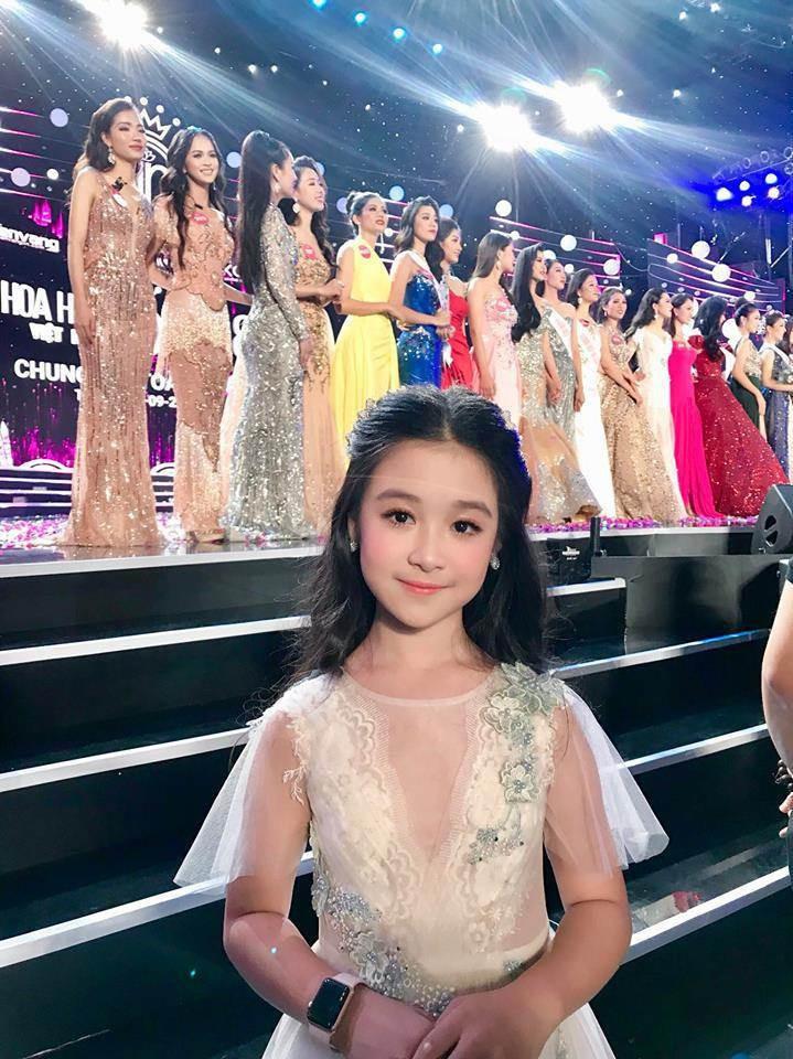 4 ngọc nữ nhí không đợi tuổi đã vụt sáng của V-biz: từ bản sao Kim Yoo Jung đến Hoa hậu Việt Nam tương lai - Ảnh 19.