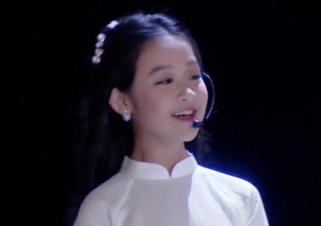 4 ngọc nữ nhí không đợi tuổi đã vụt sáng của V-biz: từ bản sao Kim Yoo Jung đến Hoa hậu Việt Nam tương lai - Ảnh 18.