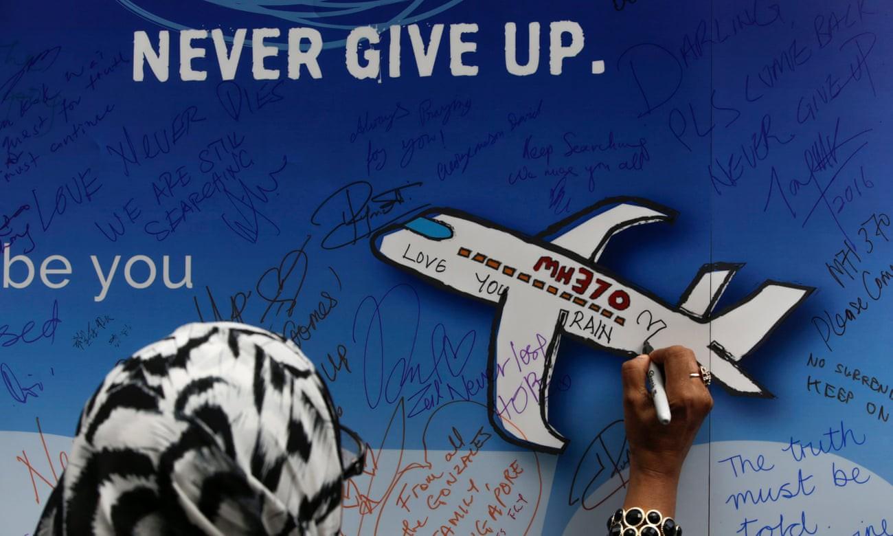 Chuyến bay MH370: Tròn 5 năm từ ngày biến mất và 5 giả thiết đáng sợ được giới chuyên gia tiếp tục giải mã - Ảnh 1.