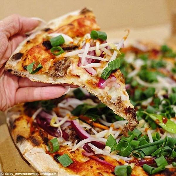 Ngoài pizza bún đậu mắm tôm đang xôn xao thì còn biết bao món pizza hồn Việt thân Ý đây này - Ảnh 6.