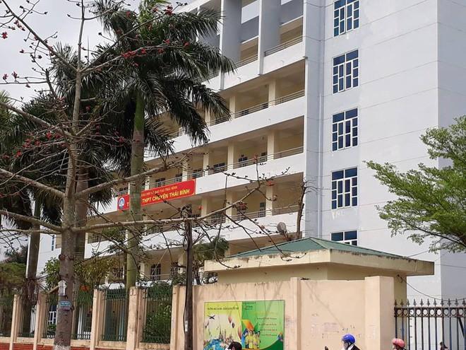 Trường THPT chuyên Thái Bình.