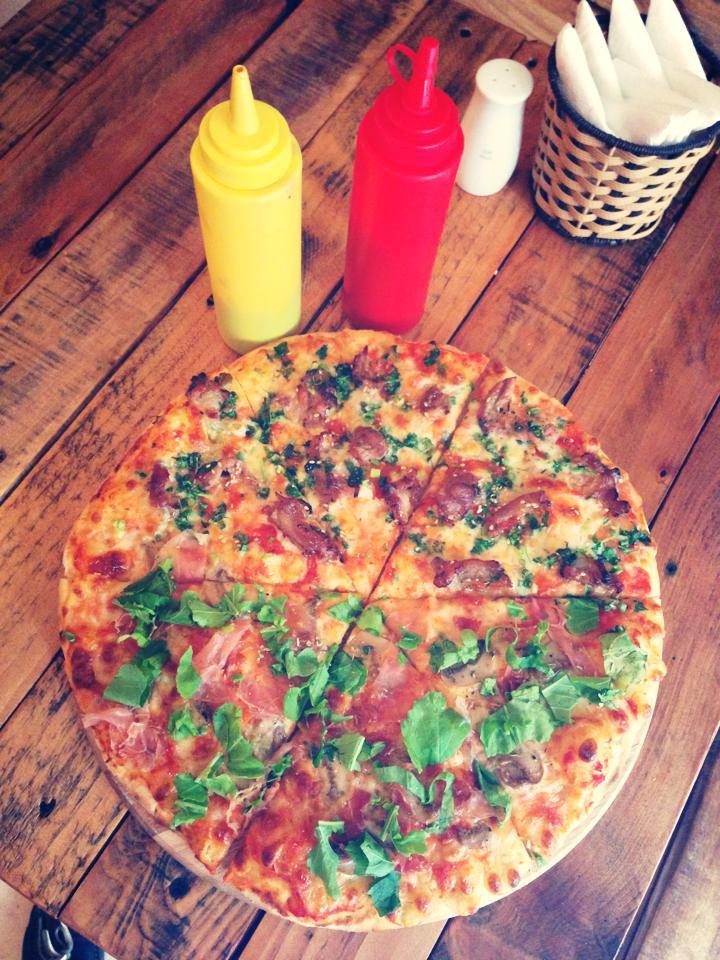 Ngoài pizza bún đậu mắm tôm đang xôn xao thì còn biết bao món pizza hồn Việt thân Ý đây này - Ảnh 8.