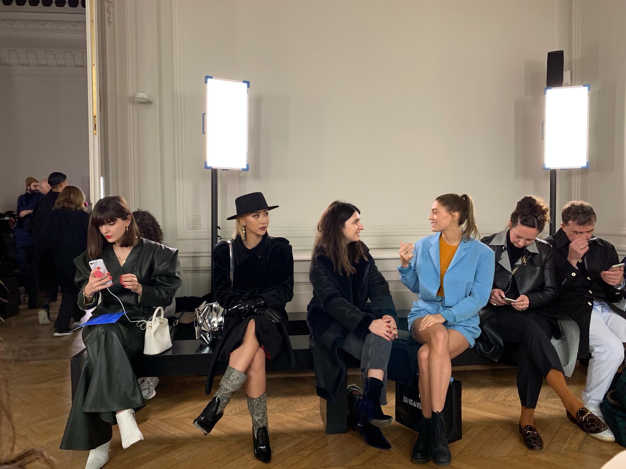Xét khoản mặc dị tại Paris Fashion Week mùa này, Quỳnh Anh Shyn mà nhận hạng 2 chắc không ai dám làm số 1 - Ảnh 4.