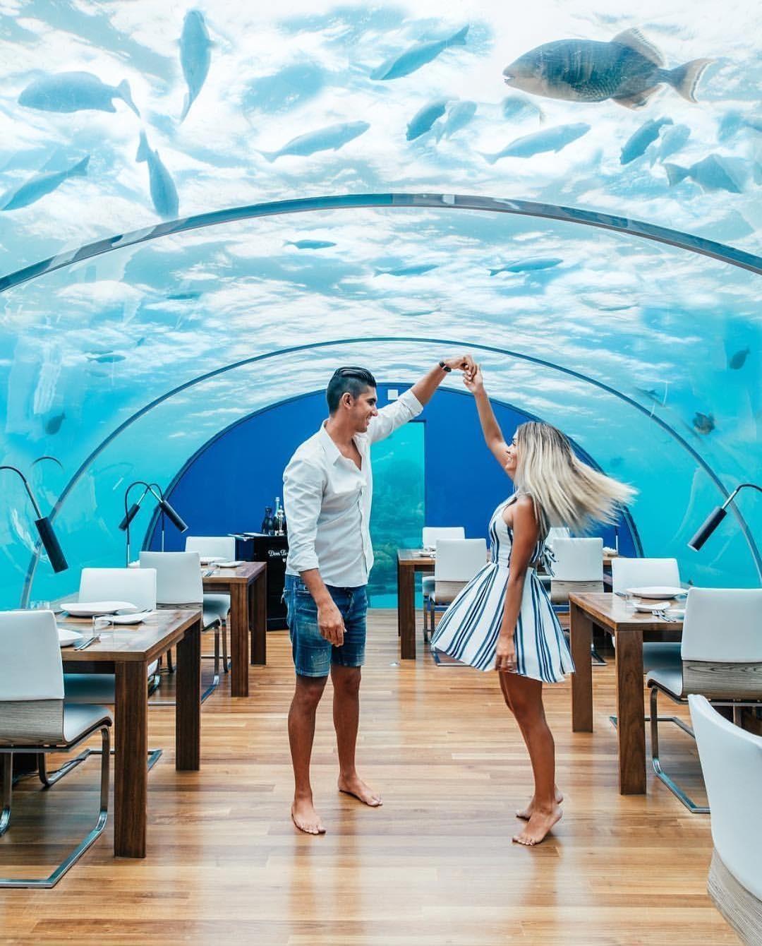 Loá mắt với khách sạn triệu đô dưới đáy biển Ấn Độ Dương mà chỉ giới siêu giàu mới đủ tiền thuê - Ảnh 1.