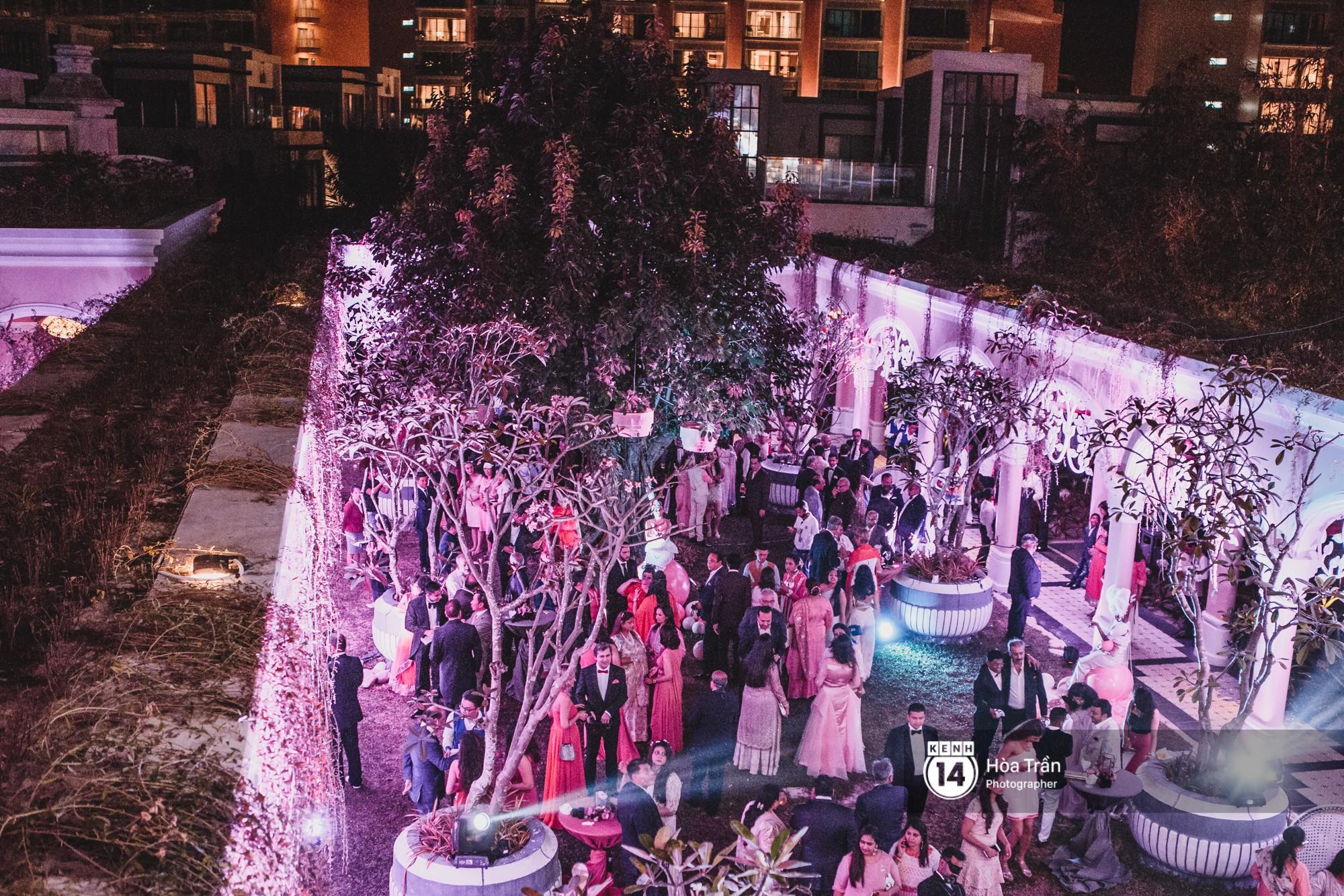 Cặp đôi tỷ phú Ấn Độ lộng lẫy cùng các khách mời đại gia vào đêm tiệc Pink Party đầu tiên ở Phú Quốc - Ảnh 3.