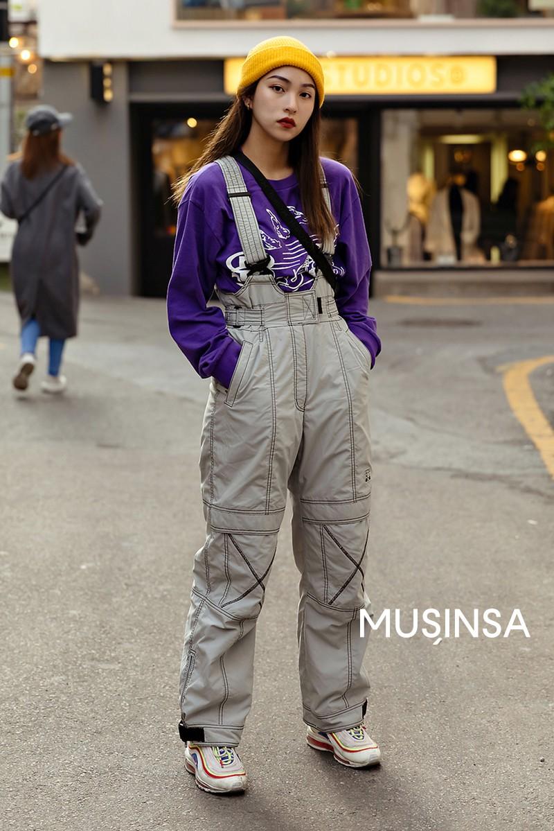 Street style giới trẻ Hàn tuần qua toàn những công thức đẹp thôi rồi mà bạn sẽ muốn diện ngay cho ngày se lạnh tại miền Bắc lúc này - Ảnh 10.