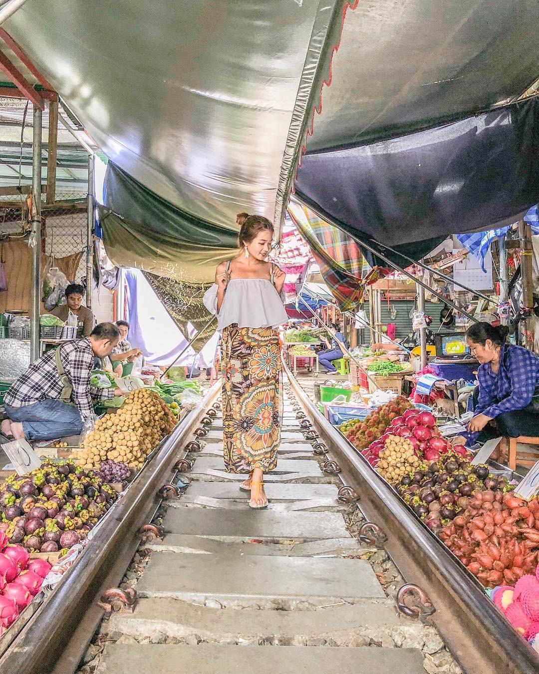 Đã dò ra đường đến khu chợ đường ray độc nhất vô nhị nằm ở ngoại ô Bangkok - Ảnh 10.