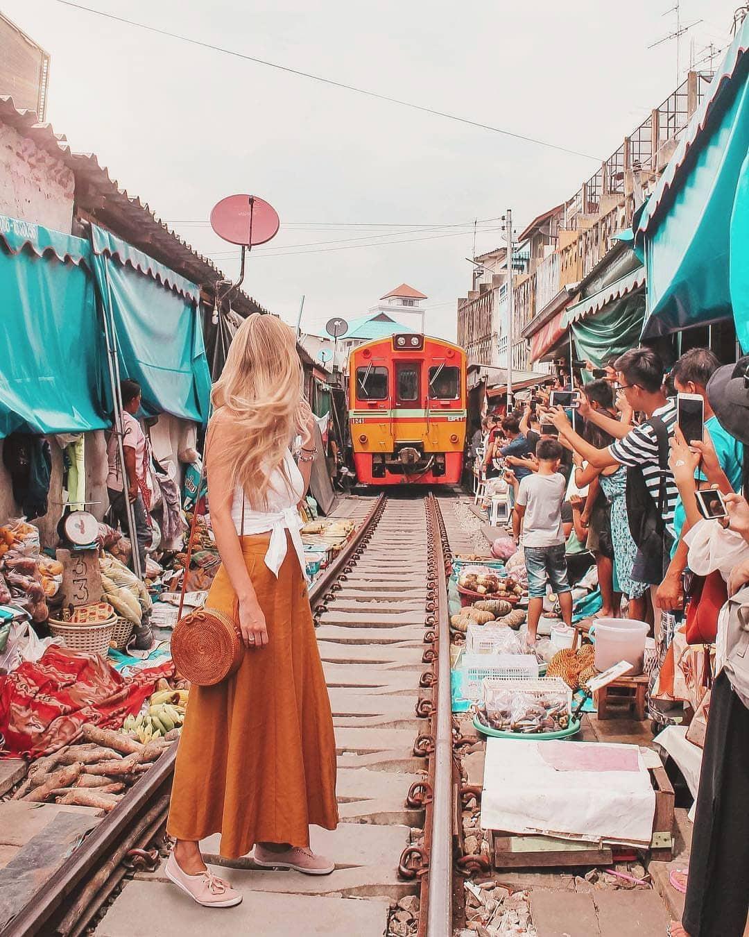 Đã dò ra đường đến khu chợ đường ray độc nhất vô nhị nằm ở ngoại ô Bangkok - Ảnh 2.