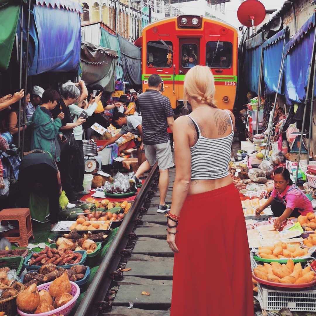 Đã dò ra đường đến khu chợ đường ray độc nhất vô nhị nằm ở ngoại ô Bangkok - Ảnh 5.