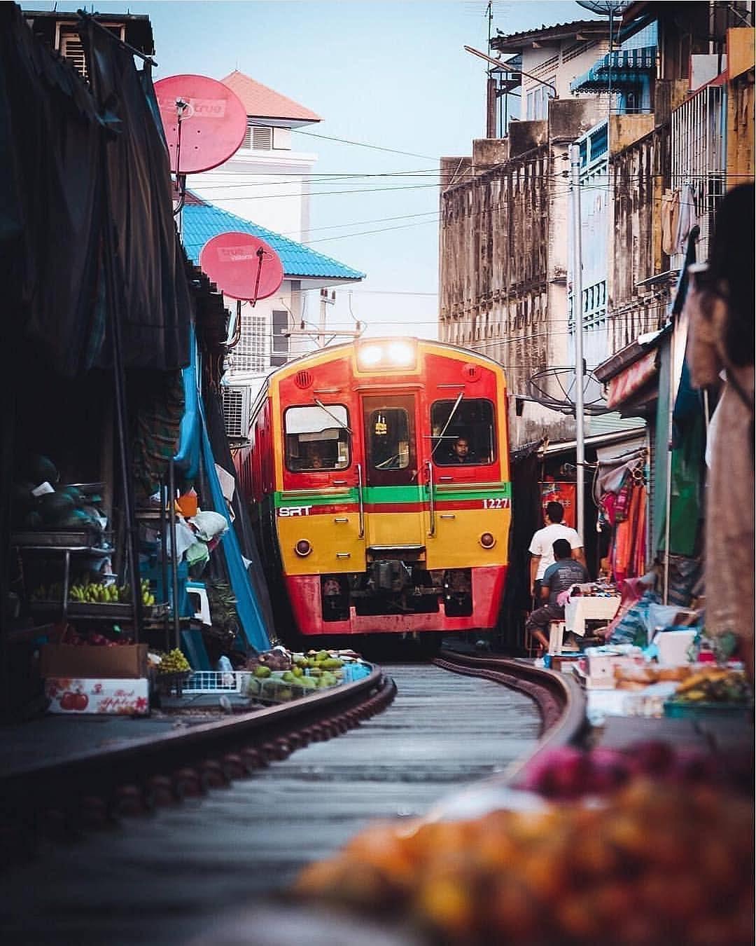 Đã dò ra đường đến khu chợ đường ray độc nhất vô nhị nằm ở ngoại ô Bangkok - Ảnh 7.