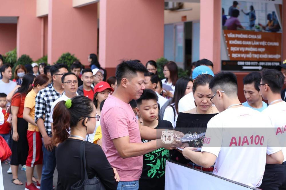 Cập nhật sự kiện có mặt David Beckham tại Việt Nam: Danh thủ nước Anh học làm gỏi cuốn, thân thiện giao lưu với hàng trăm khán giả - Ảnh 24.