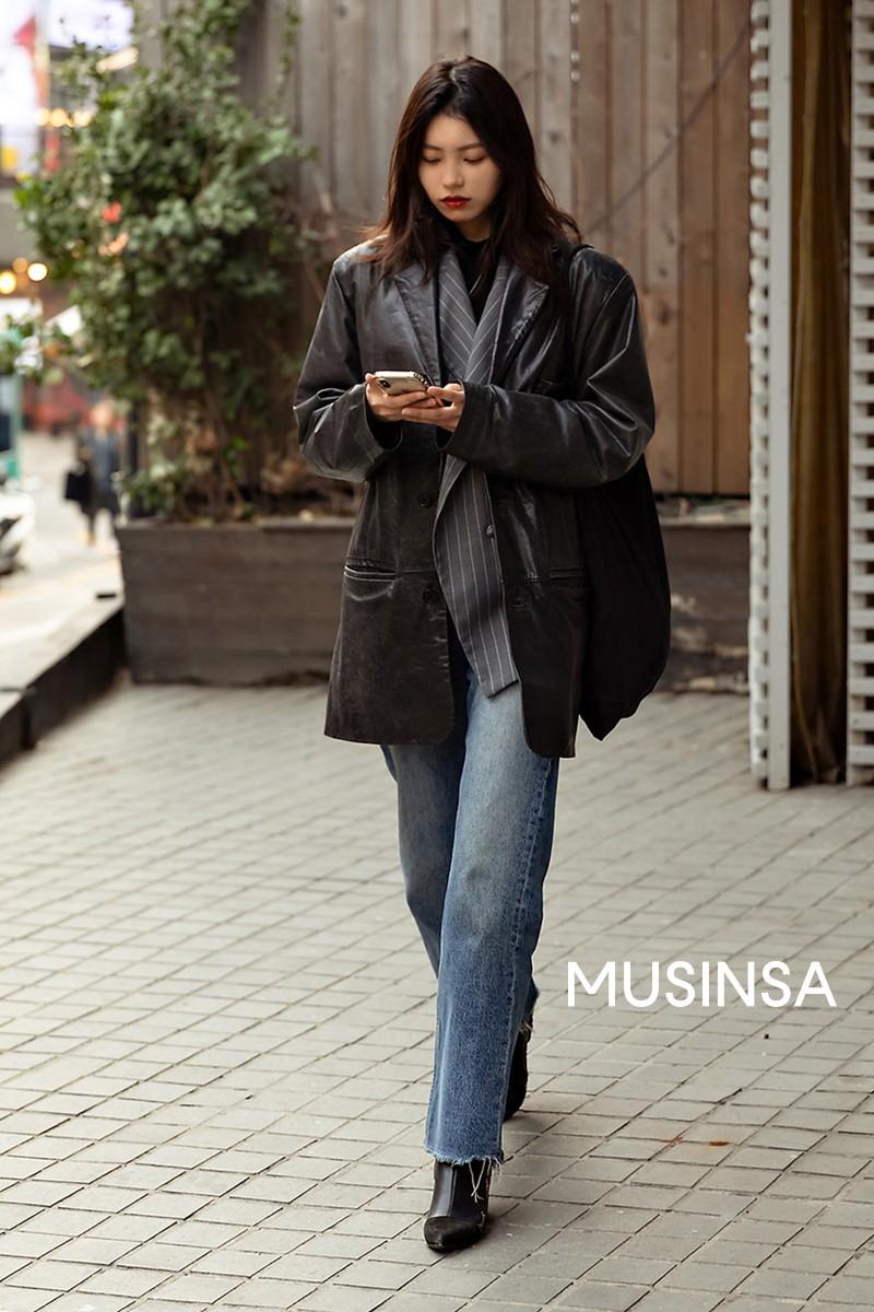 Street style giới trẻ Hàn tuần qua toàn những công thức đẹp thôi rồi mà bạn sẽ muốn diện ngay cho ngày se lạnh tại miền Bắc lúc này - Ảnh 7.