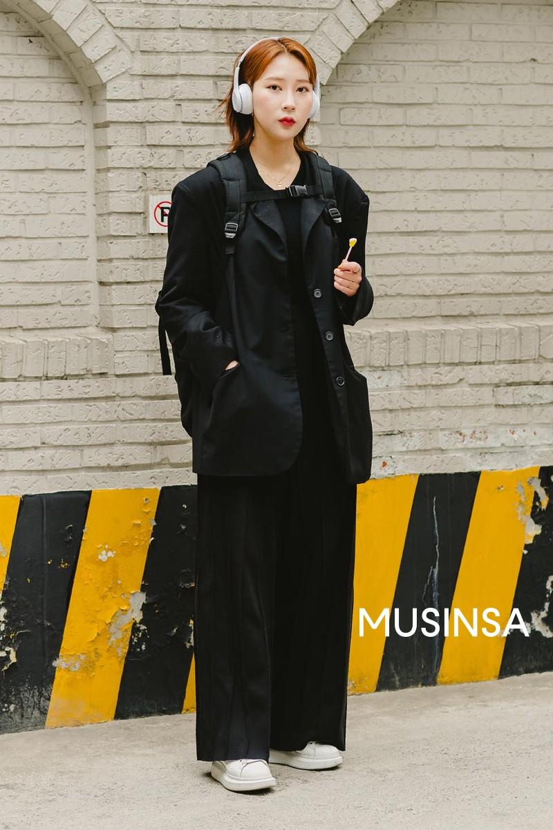 Street style giới trẻ Hàn tuần qua toàn những công thức đẹp thôi rồi mà bạn sẽ muốn diện ngay cho ngày se lạnh tại miền Bắc lúc này - Ảnh 9.