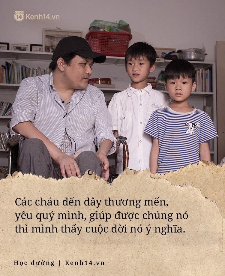 Chuyện về người thầy liệt tay chân, viết chữ bằng miệng vẫn dạy học cho trẻ em nghèo: Tôi không đi chữa bệnh vì có xu nào dành hết cho con ăn học - Ảnh 6.