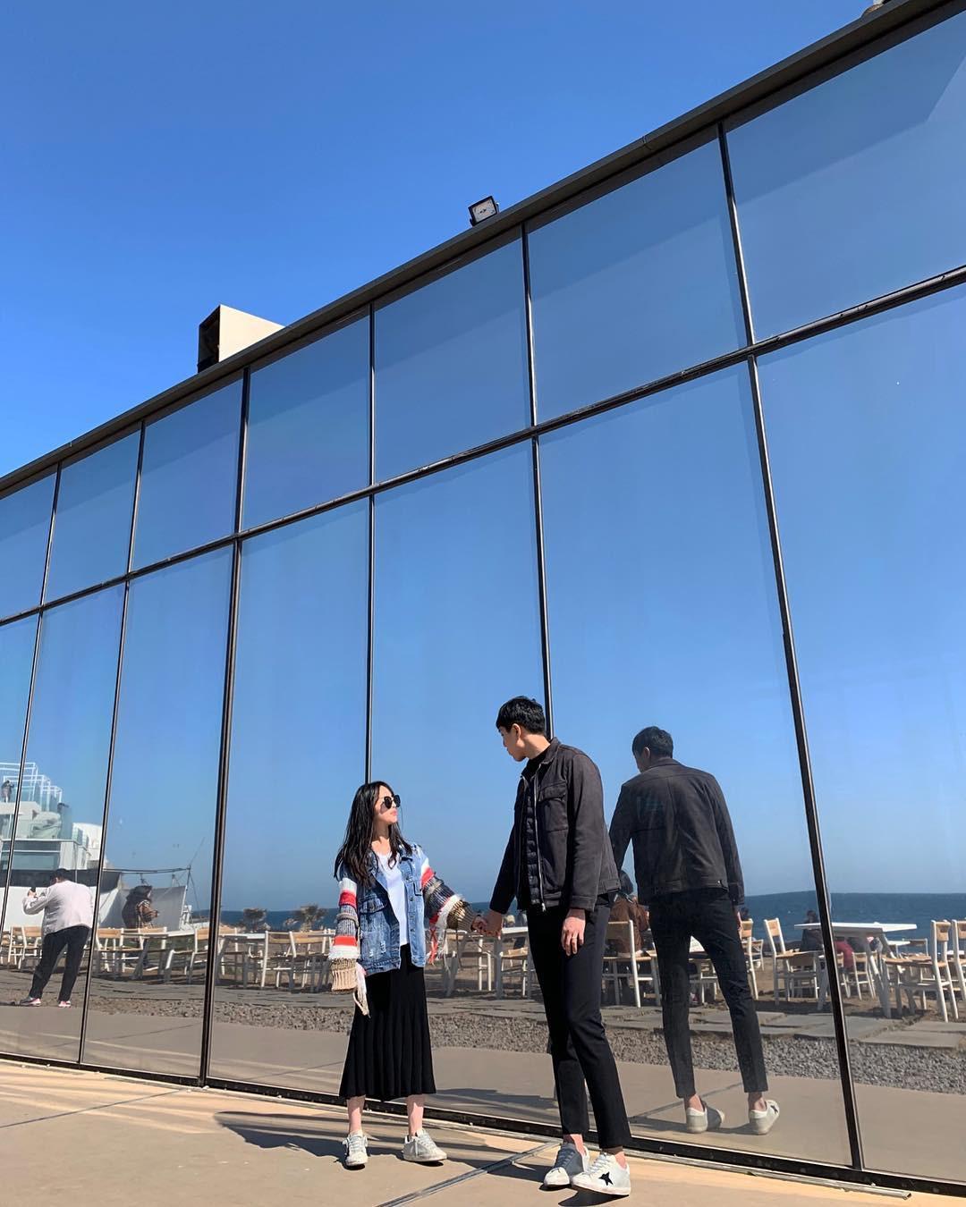 Tiệm cà phê một thời của G-Dragon đang là thánh địa sống ảo hot nhất đảo Jeju, Chi Pu và Changmakeup cũng vừa check-in ở đây - Ảnh 23.