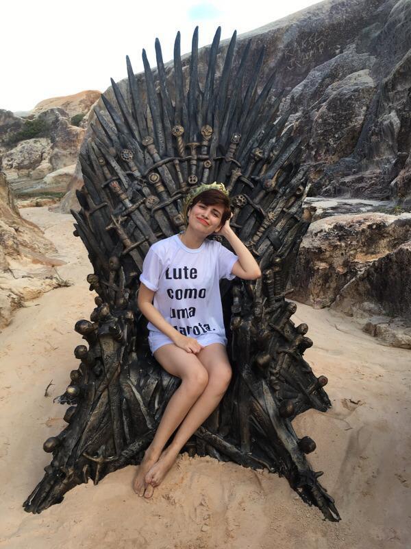Nhà không có gì ngoài điều kiện, Game of Thrones chơi trò giấu ghế khắp địa cầu, fan khuyên: Đừng đặt ở Việt Nam! - Ảnh 11.