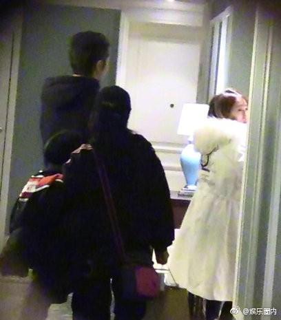 Drama ngoại tình tiếp tục gay cấn: Tiểu tam chạy vội vào phòng sao nam, trở ra với chiếc quần ngủ khác biệt - Ảnh 3.