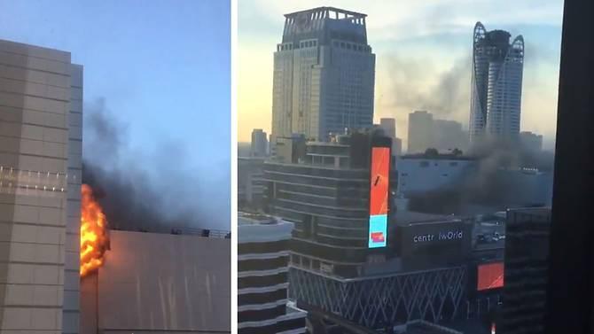 Cháy lớn tại trung tâm mua sắm CentralWorld ở Bangkok, ít nhất 3 người thiệt mạng - Ảnh 1.