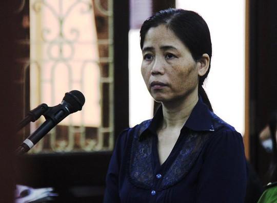 Nữ y sĩ để lây bệnh sùi mào gà cho hơn 100 trẻ em bị phạt 10 năm tù và 2,2 tỉ đồng - Ảnh 1.