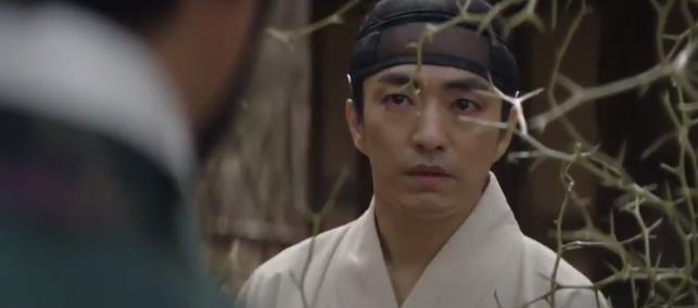 Làm idol chưa đủ giàu, Choi Si Won mẫn cán đi làm đa cấp lừa đảo, múa miệng không ai bằng - Ảnh 7.