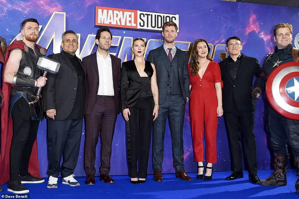 Sự kiện Avengers gây chú ý: Mỹ nhân Scarlett Johansson nơm nớp vì hở quá bạo, liên tục cười tít mắt với Thor - Ảnh 14.