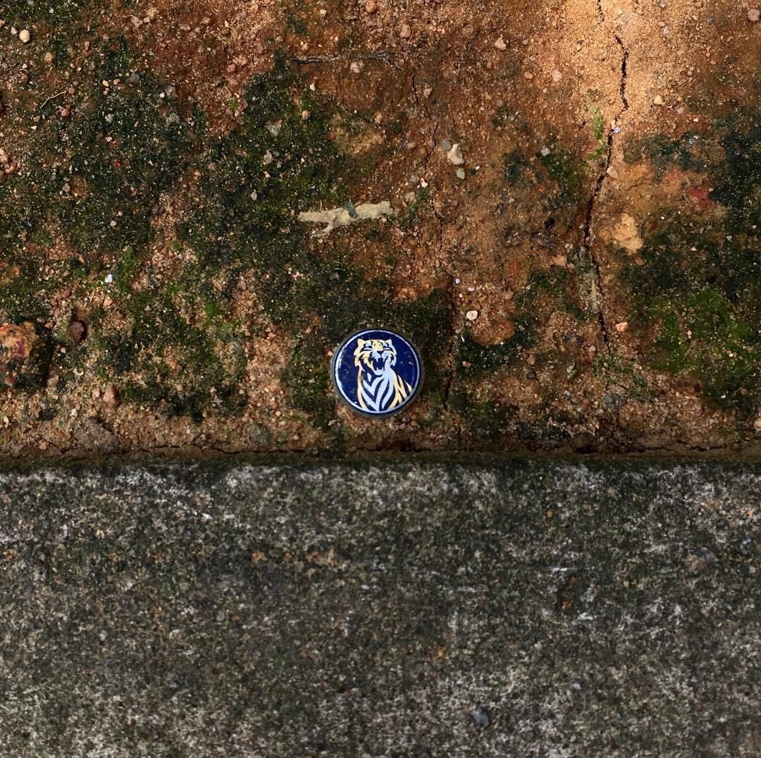 Choáng với Instagram chuyên chụp ảnh rác mà vẫn nghệ như tranh trừu tượng nổi tiếng - Ảnh 1.