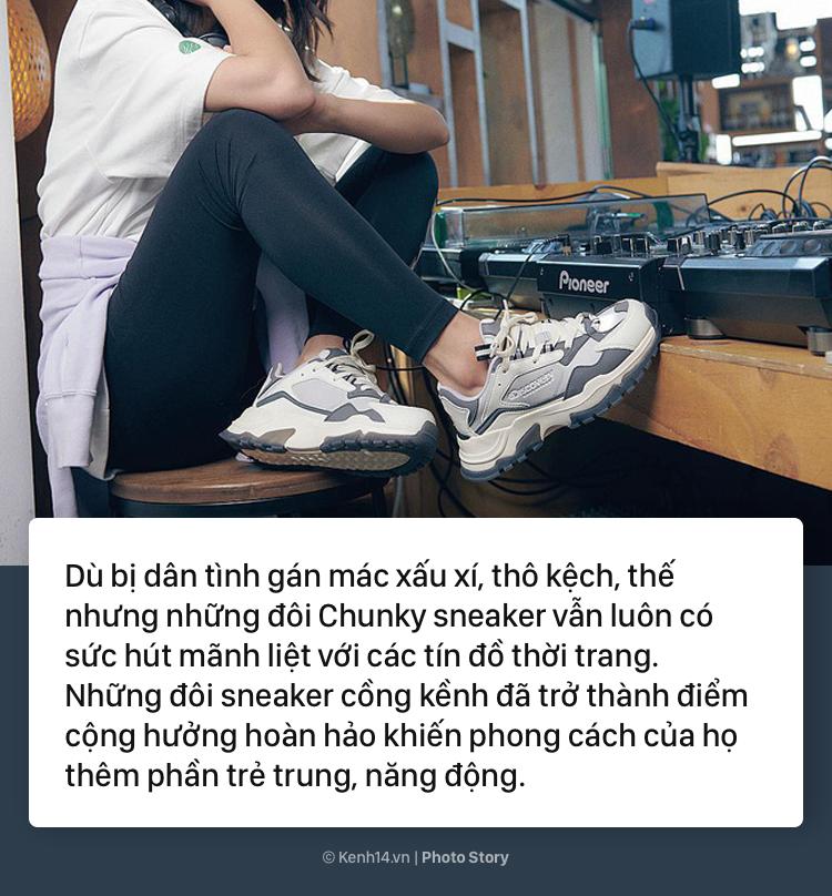 Những đôi sneaker này tuy thô kệch nhưng lại được sao Hàn cũng như các tín đồ thời trang Hàn Quốc vô cùng ưa chuộng - Ảnh 1.