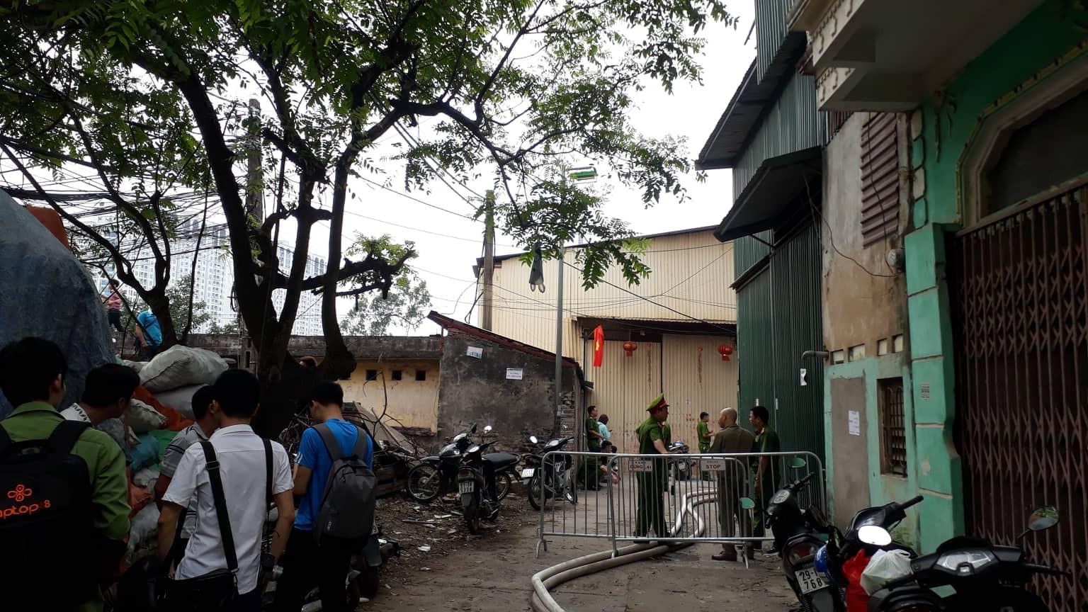 Vụ cháy kinh hoàng khiến 8 người tử vong ở Hà Nội: Các nhà xưởng xây dựng không phép - Ảnh 1.