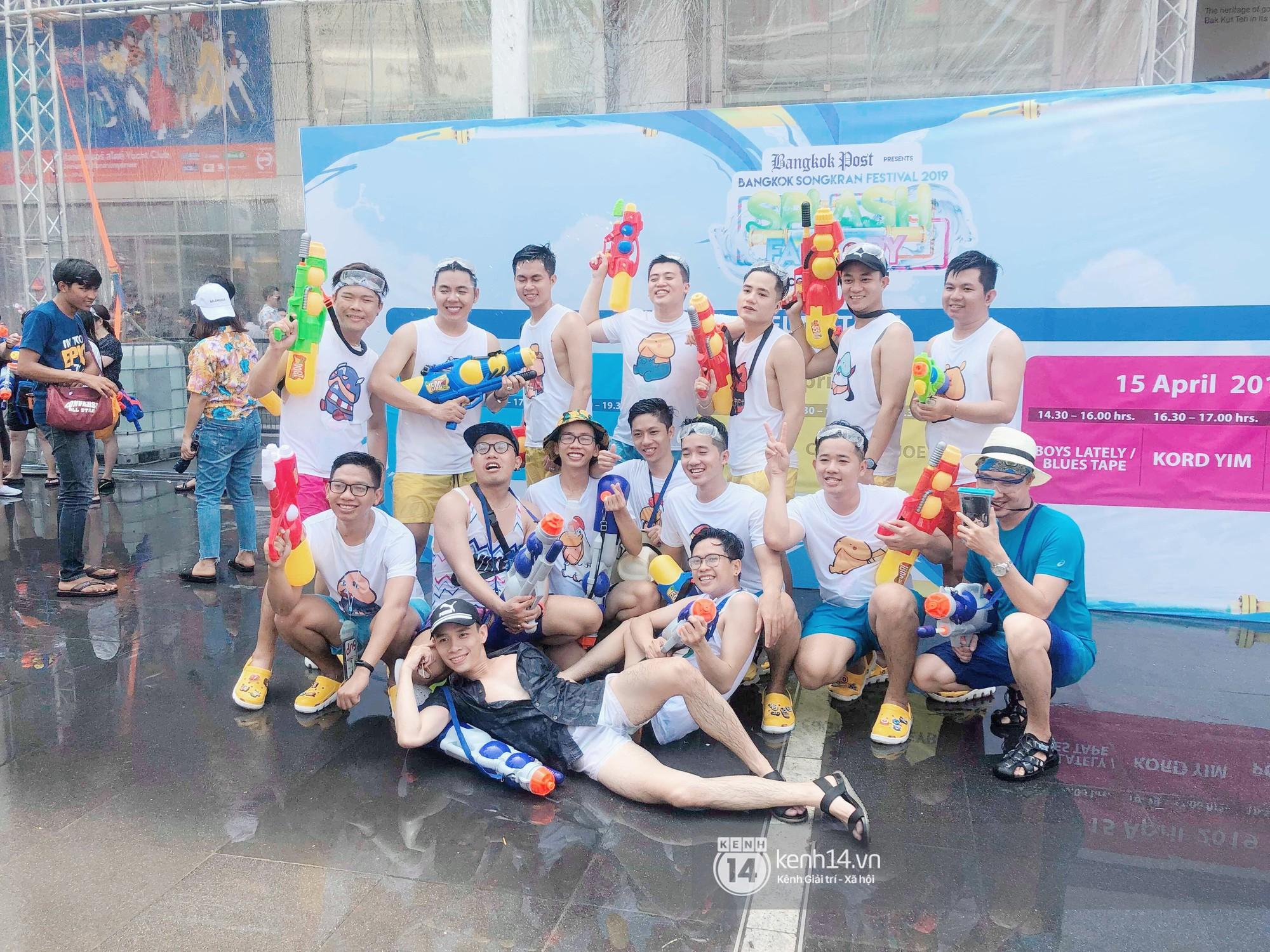 Hàng ngàn bạn trẻ Việt đang đổ về Bangkok để hoà vào dòng người chơi té nước Songkran! - Ảnh 14.