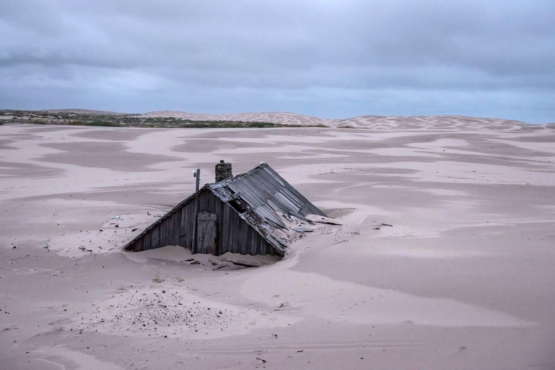 Khám phá ngôi làng Nga biến mất mỗi khi gió to, người dân không ai dám đóng cửa vào ban đêm - Ảnh 2.