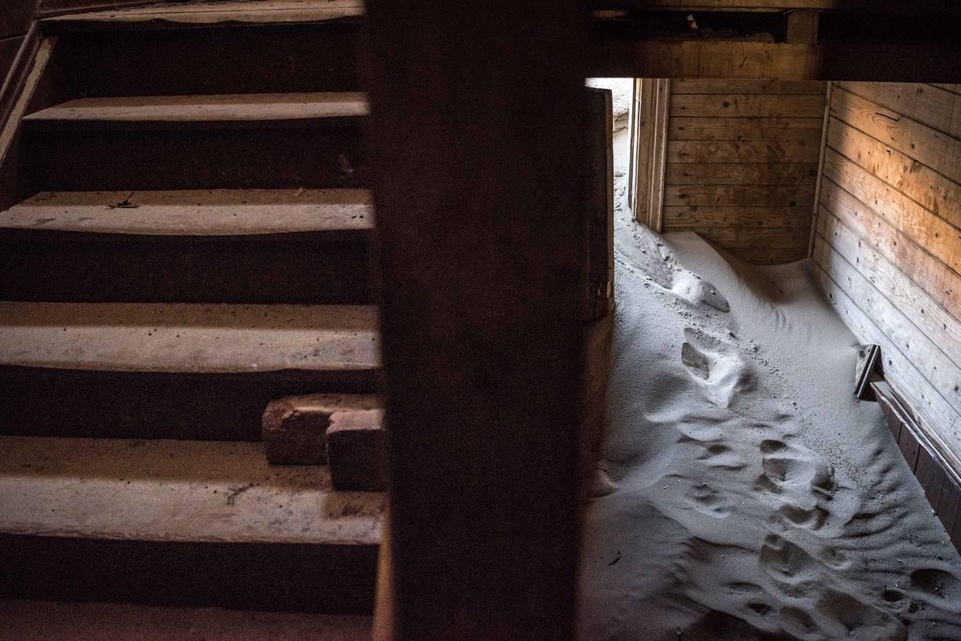 Khám phá ngôi làng Nga biến mất mỗi khi gió to, người dân không ai dám đóng cửa vào ban đêm - Ảnh 3.
