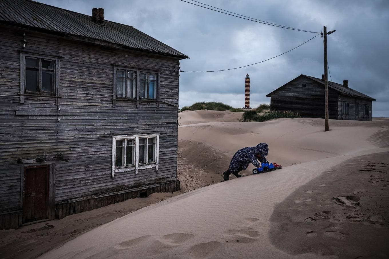 Khám phá ngôi làng Nga biến mất mỗi khi gió to, người dân không ai dám đóng cửa vào ban đêm - Ảnh 7.