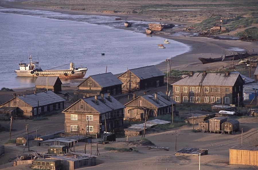 Khám phá ngôi làng Nga biến mất mỗi khi gió to, người dân không ai dám đóng cửa vào ban đêm - Ảnh 10.