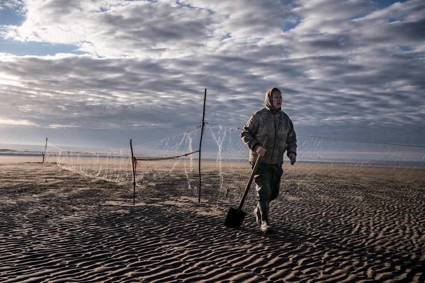 Khám phá ngôi làng Nga biến mất mỗi khi gió to, người dân không ai dám đóng cửa vào ban đêm - Ảnh 8.