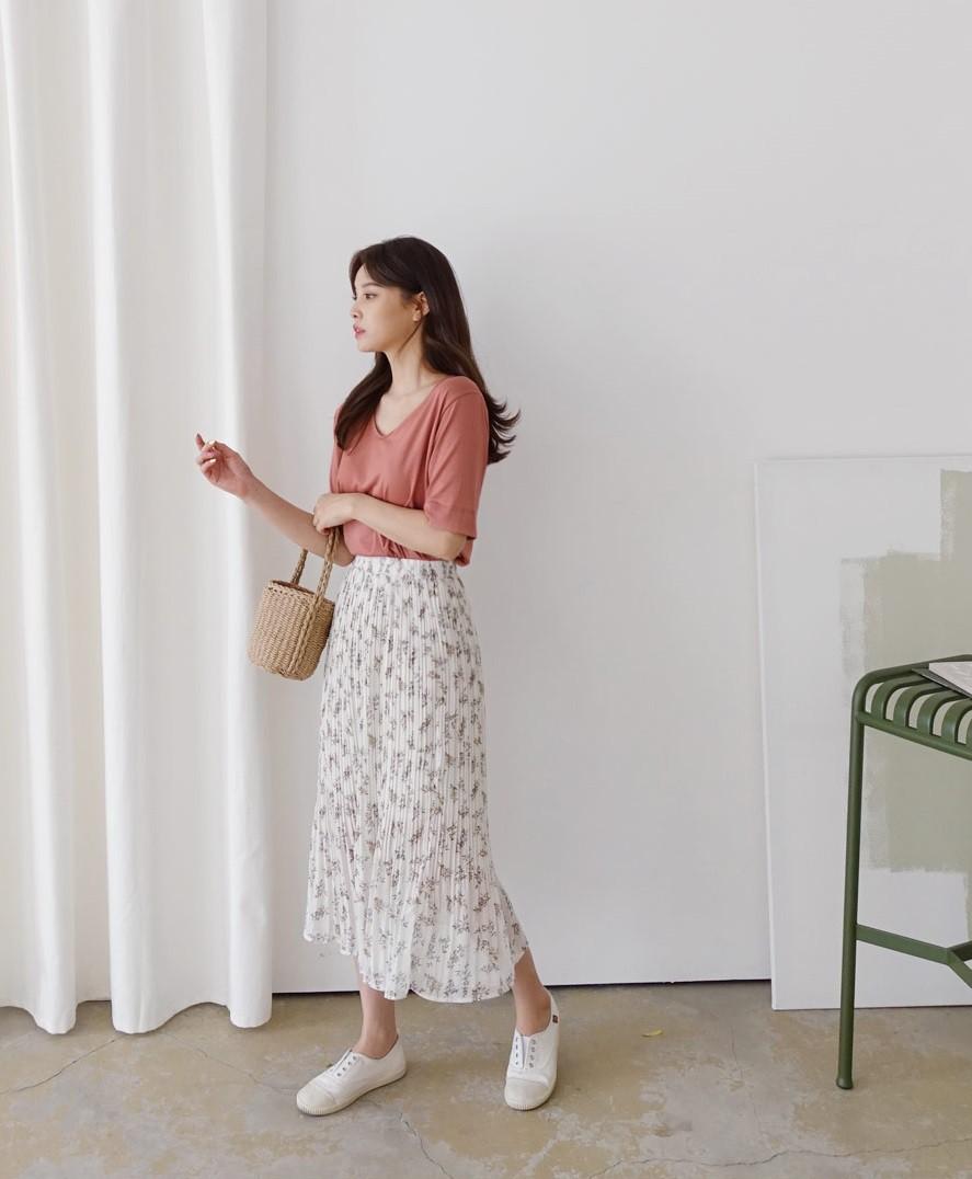 Chân váy hoa hè 2019 xinh đến mức có thể khiến bạn tiếc nuối khôn nguôi nếu không sắm ngay cho mình - Ảnh 11.