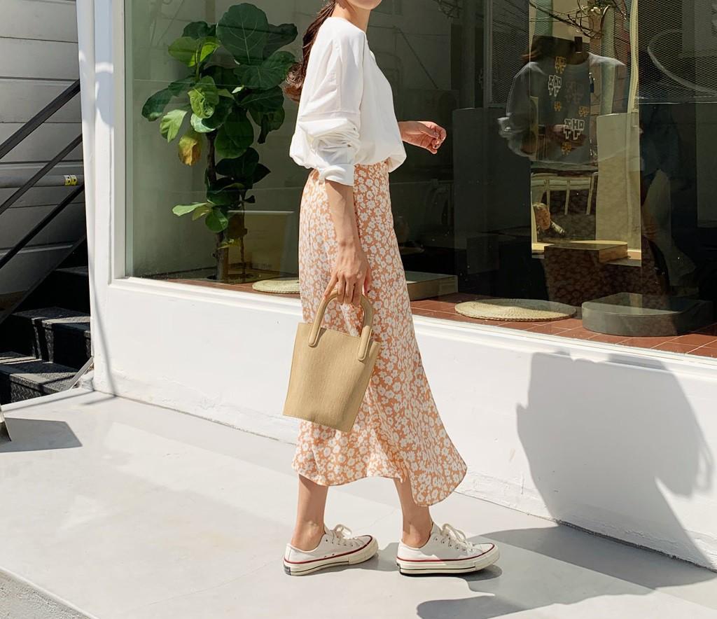 Chân váy hoa hè 2019 xinh đến mức có thể khiến bạn tiếc nuối khôn nguôi nếu không sắm ngay cho mình - Ảnh 12.