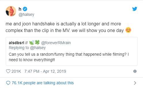 Halsey khiến fan toàn thế giới dậy sóng khi spoil về cái bắt tay không hề đơn giản với RM (BTS) trong MV - Ảnh 1.