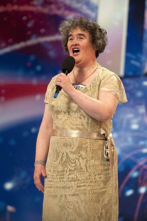 Sau 10 năm, Susan Boyle trở lại Britains Got Talent với ngoại hình trẻ trung hơn trước - Ảnh 2.