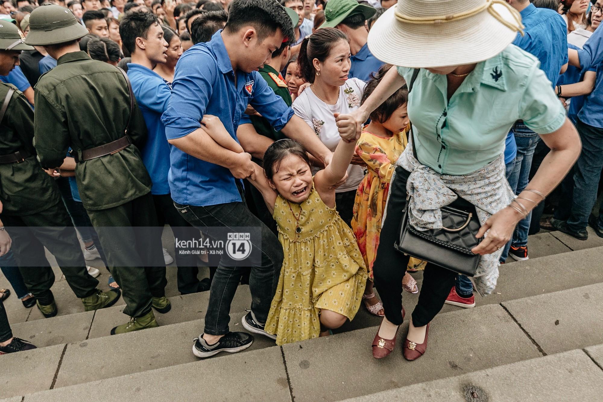Nhìn lại những khoảnh khắc ấn tượng 2 ngày chính hội ở đền Hùng dịp giỗ Tổ Hùng Vương 2019 - Ảnh 11.