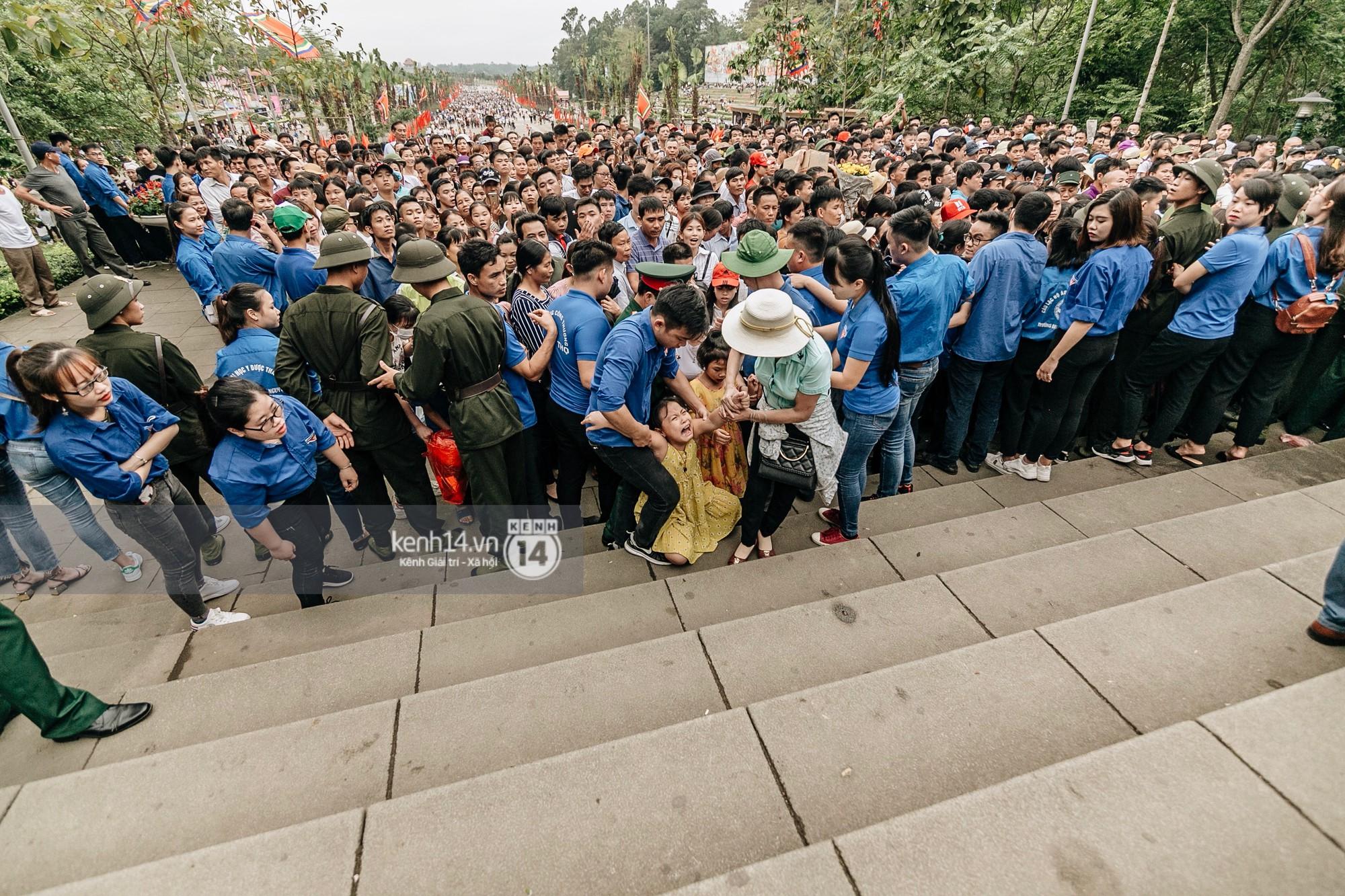 Nhìn lại những khoảnh khắc ấn tượng 2 ngày chính hội ở đền Hùng dịp giỗ Tổ Hùng Vương 2019 - Ảnh 10.
