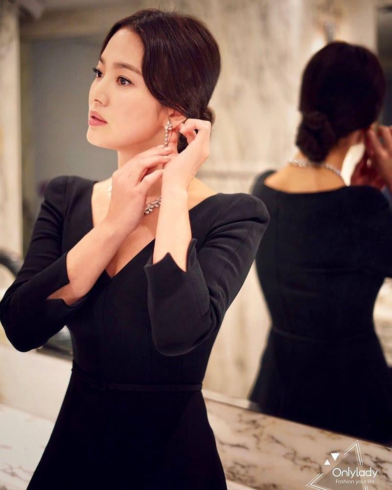 Ảnh sự kiện bị chê tơi tả vì dừ, Song Hye Kyo gây náo loạn vì ảnh hậu trường đỉnh cao như tác phẩm nghệ thuật - Ảnh 4.