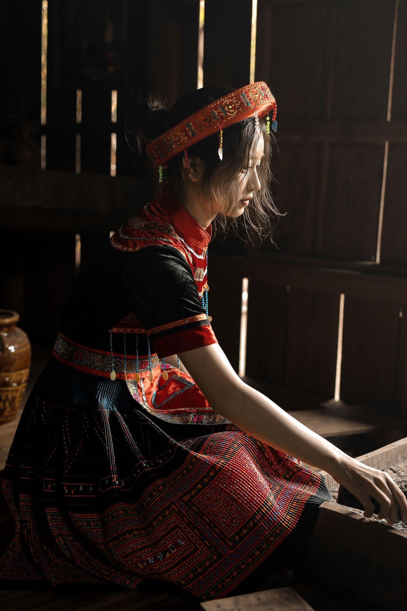 Hoá thân thành Mị trong bộ kỷ yếu Vợ chồng A Phủ, nữ sinh Buôn Ma Thuột gây thương nhớ bởi nhan sắc quá ngọt ngào - Ảnh 3.