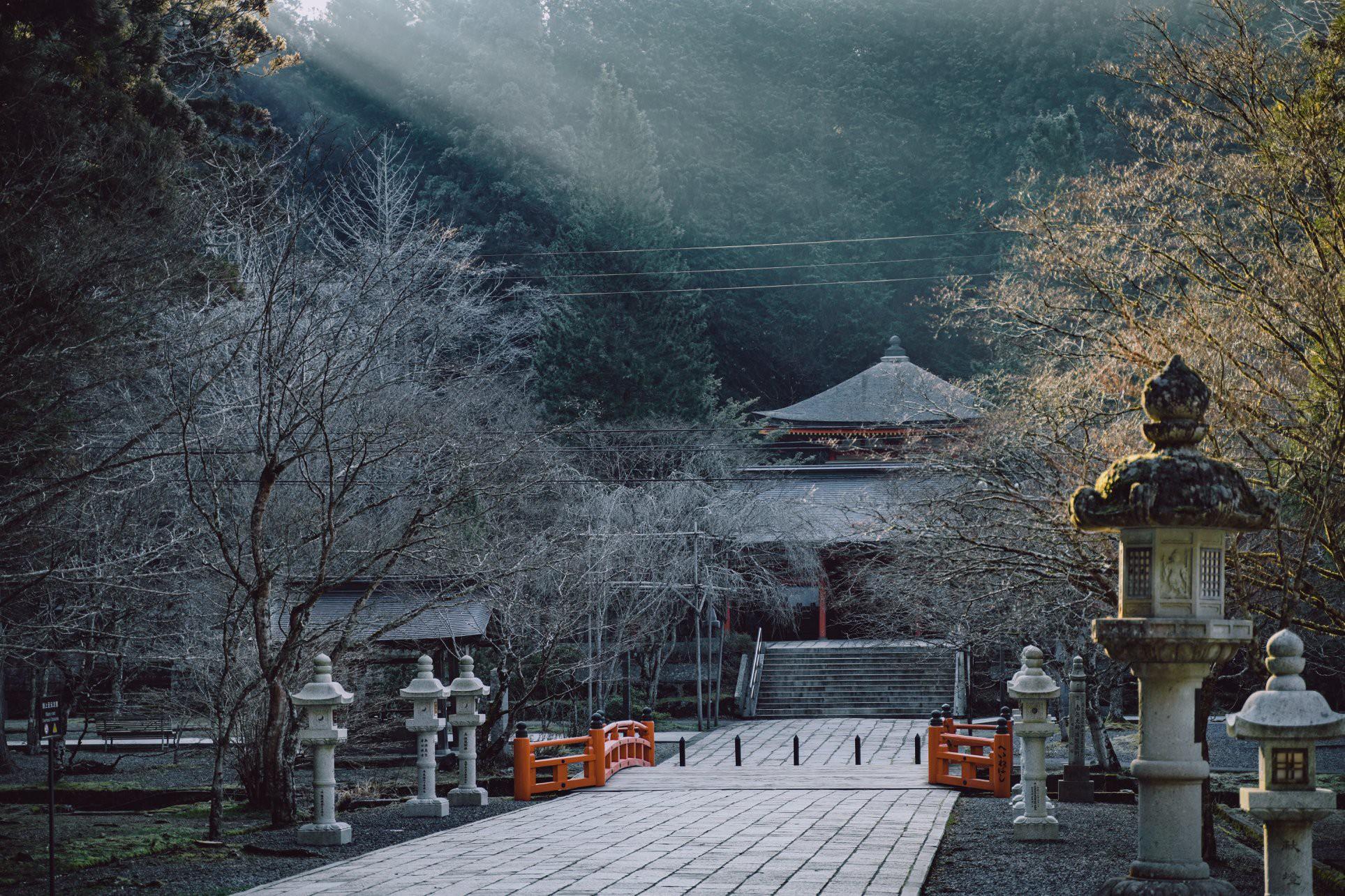 Khám phá Nghĩa trang Okunoin: Nơi được mệnh danh thánh địa thiêng liêng nhất Nhật Bản, có 5000 chiếc lồng đèn không bao giờ tắt - Ảnh 16.