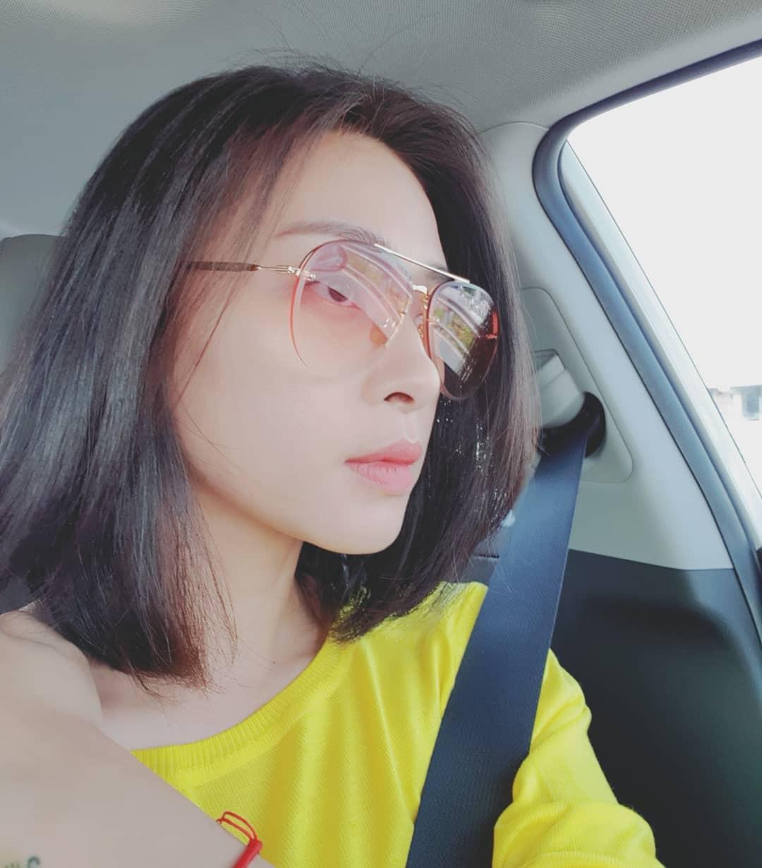 Trẻ đẹp quên thời gian thật, nhưng Ngô Thanh Vân cũng khéo chọn kiểu tóc lắm thì mới hack tuổi đỉnh đến vậy - Ảnh 9.